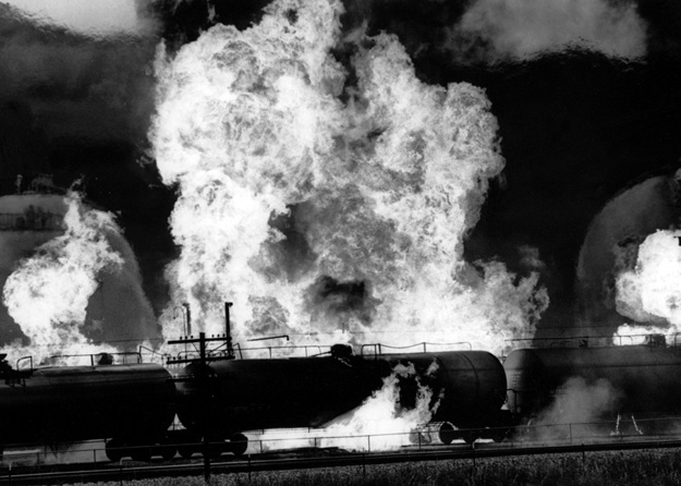 A tanker car explodes right next to a refinery, (Gallup, NM - 1981).